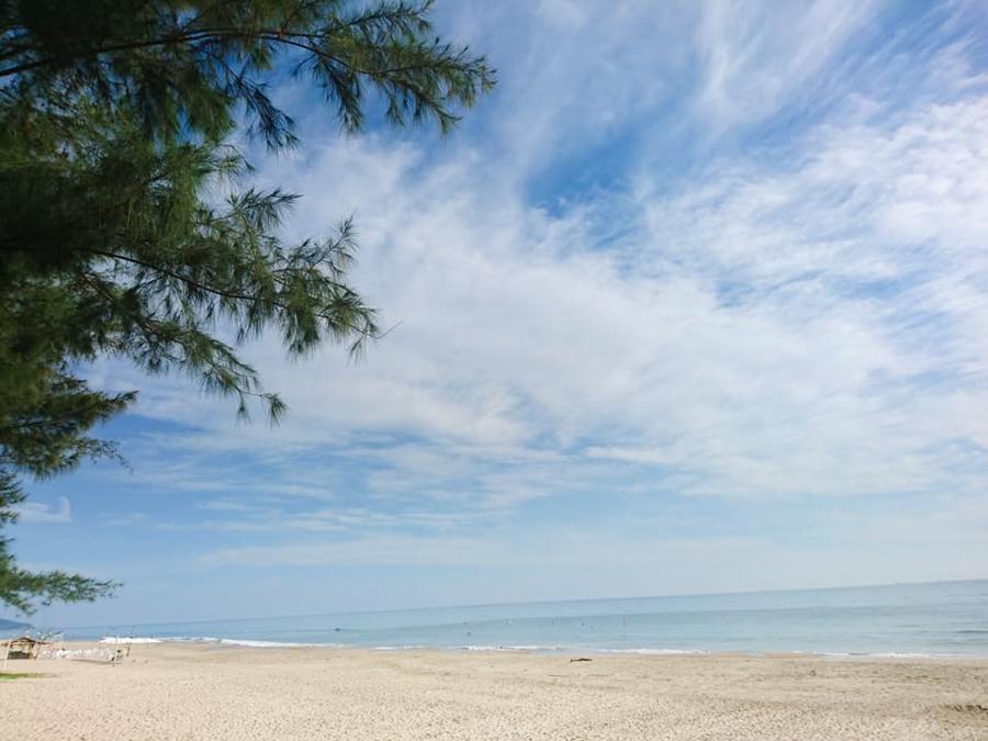 Morning at Lang Co Beach