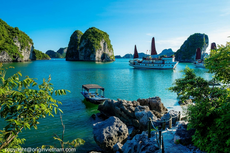 Bai Tu Long Bay Cruise – Off The Beaten Track With Dragon Pearl Junk