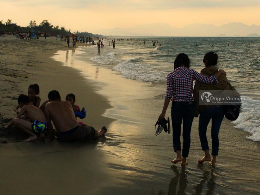 Checking in Cua Dai Beach