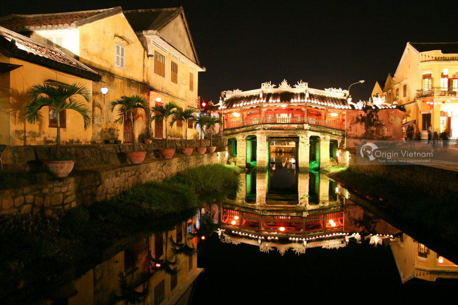 Japanese Bridge Hoi An in the evening