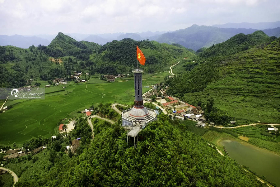 Lung Cu Flag Tower in Ha Giang