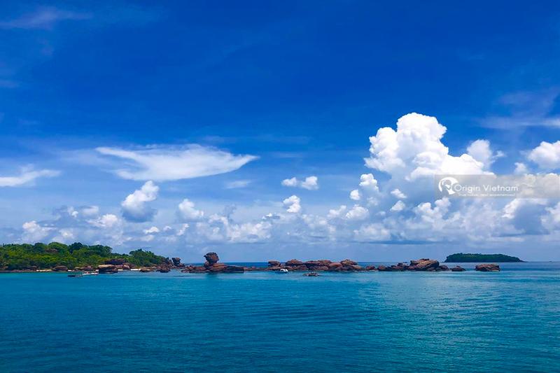 The Nail, May Rut And Dam Ngang Islands