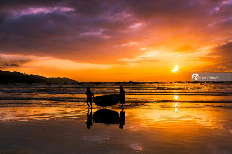 Da Nang Beaches - Top 8 Sightseeing In Da Nang