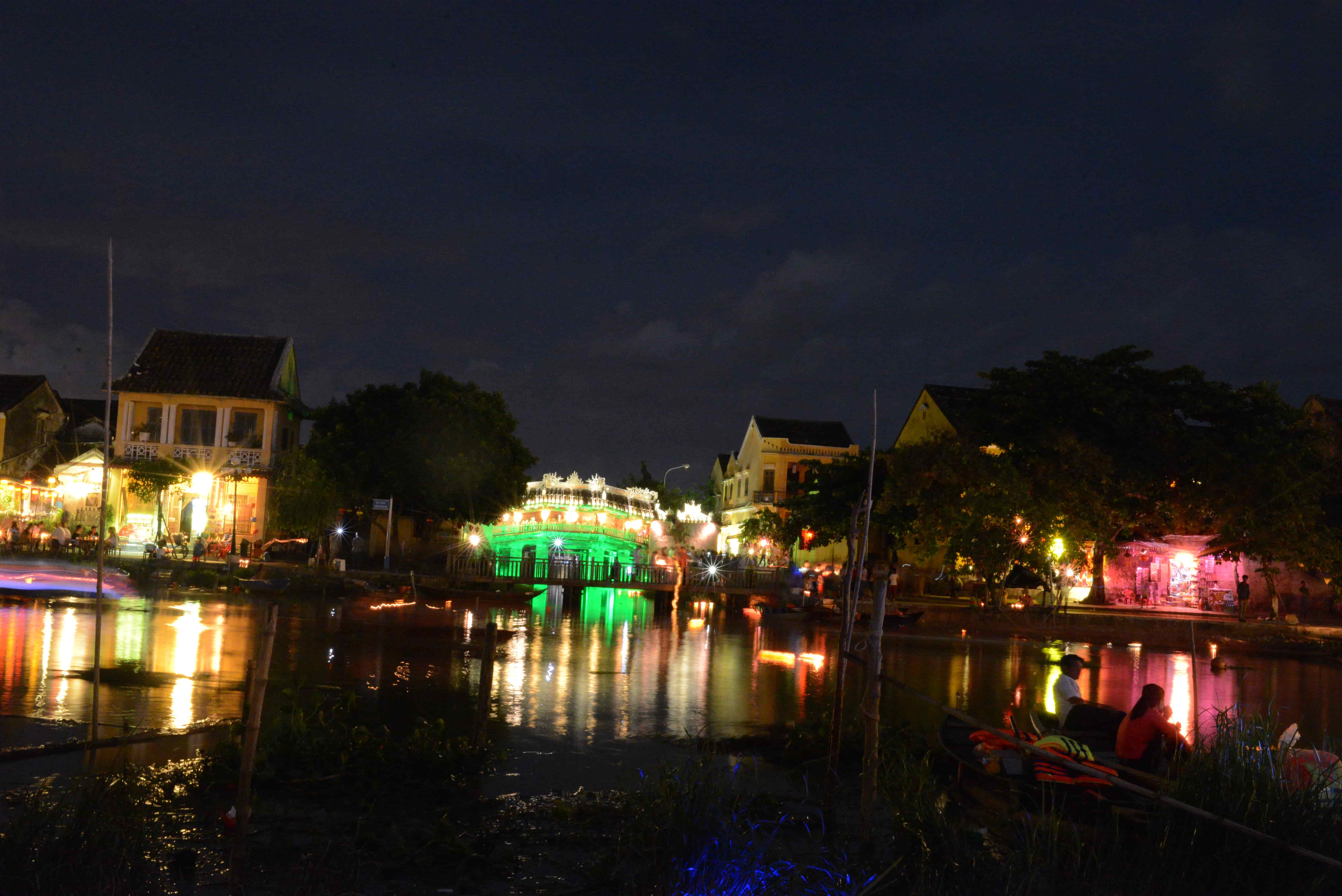 Discover historic Hoian ancient town at night - Hoiana tours