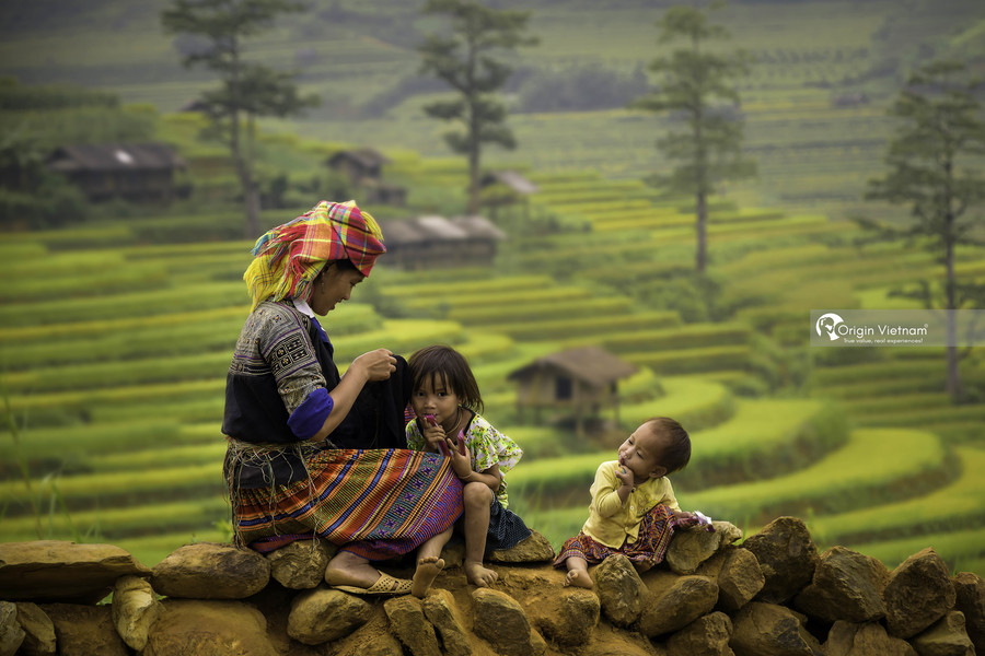 The mother and child in Sapa