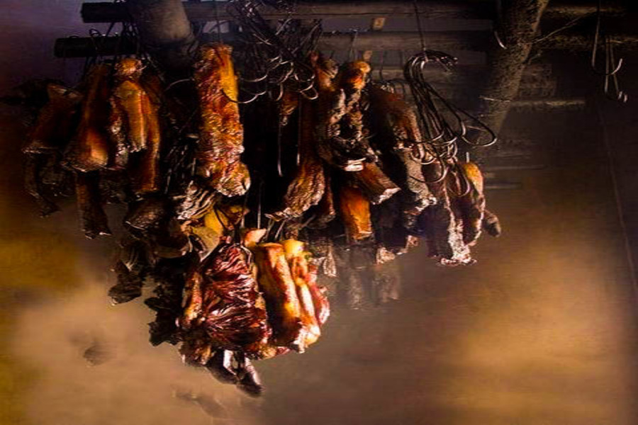 Canned sauteed smoked meat cats - Special Food In Sapa Should Not Miss Before You Leave