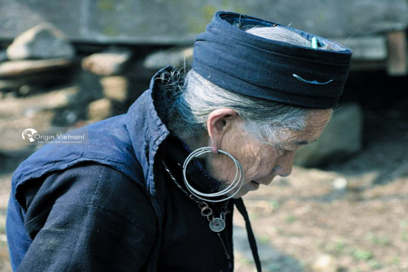 H'Mong woman in Sin Chai village