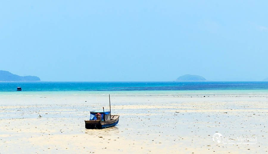 coto beach, coto island, halong bay coto island
