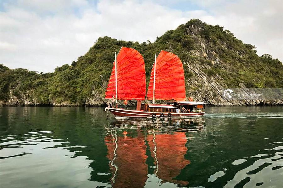 Boat trip to Lan Ha Bay