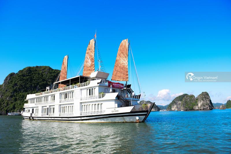 Overnight cruise Lan Ha Bay