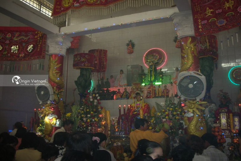 Dinh Co temple