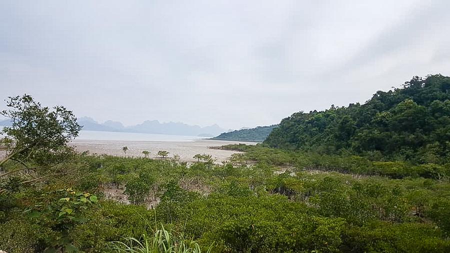 At Ba Mun Island