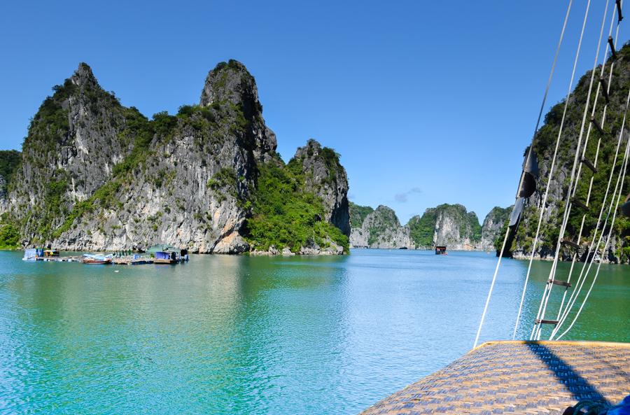 Vung Ha Island