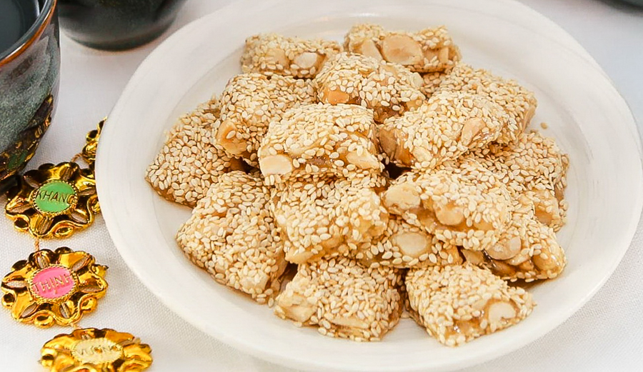 Village of dried sesame rice cake