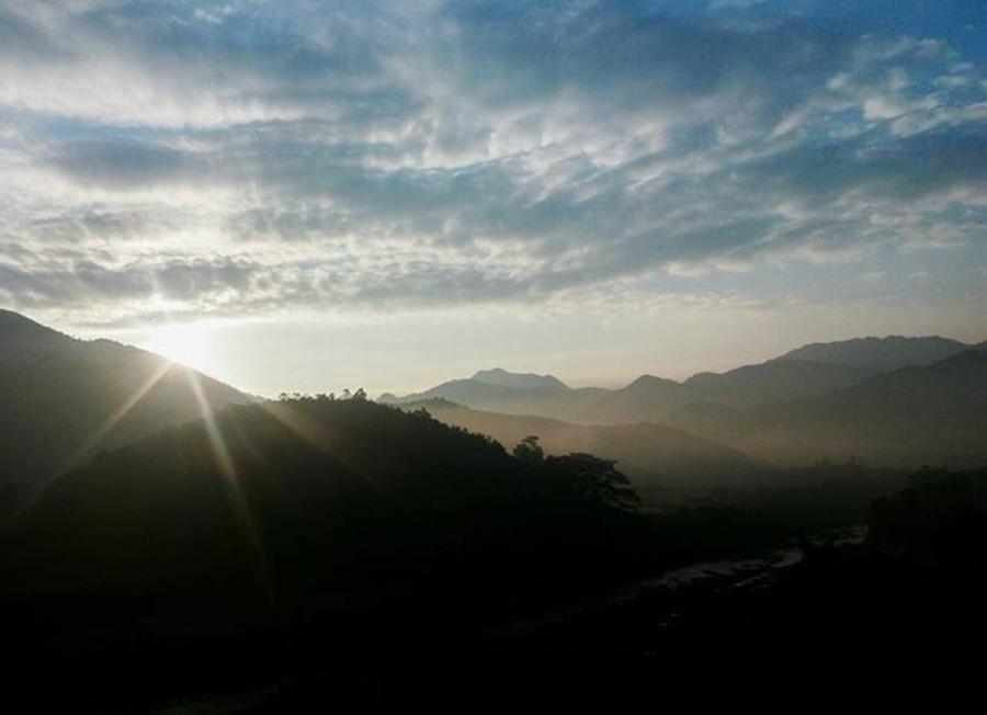Sunrise at Binh Lieu Quang Ninh