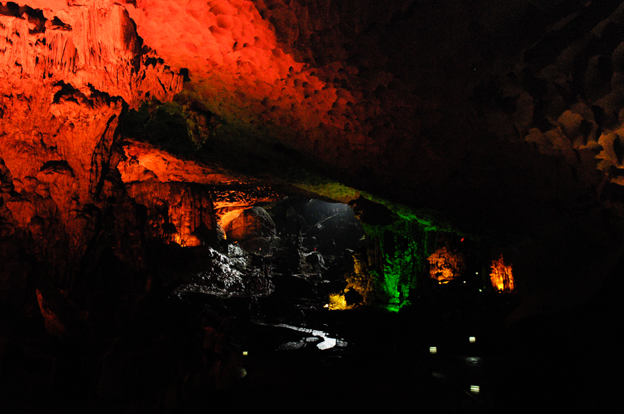 Image of Sung Sot cave in Bo Hon Island