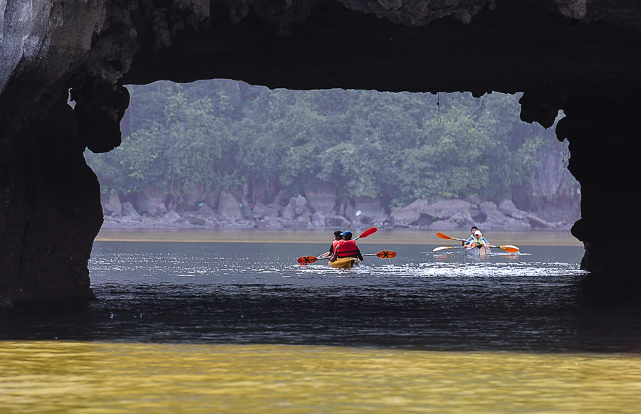 Kayaking in luon cave