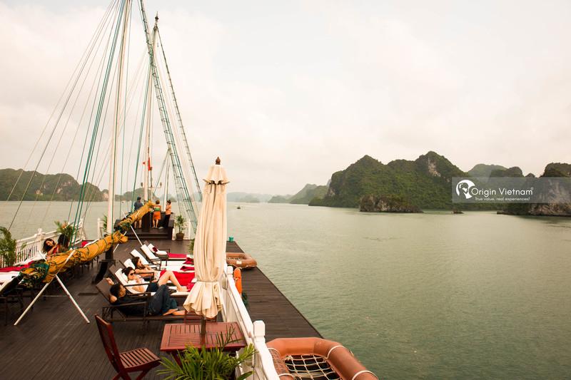 Sunbathe on Cruise Sun Deck