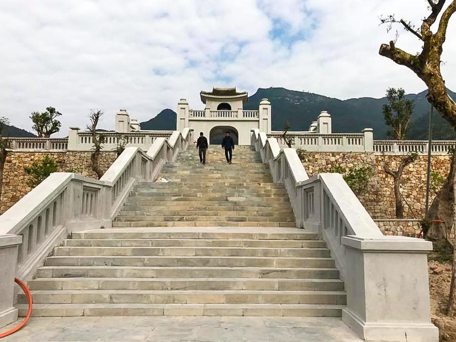 Image visitor visit Yen Tu Pagoda