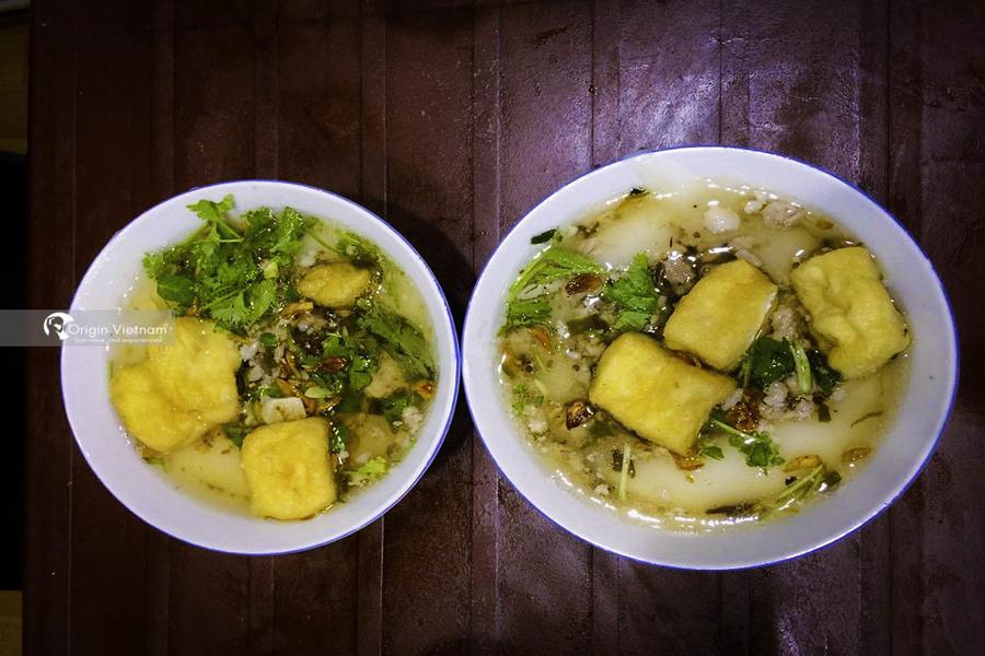 Banh Duc nong – rustic Hanoi street food