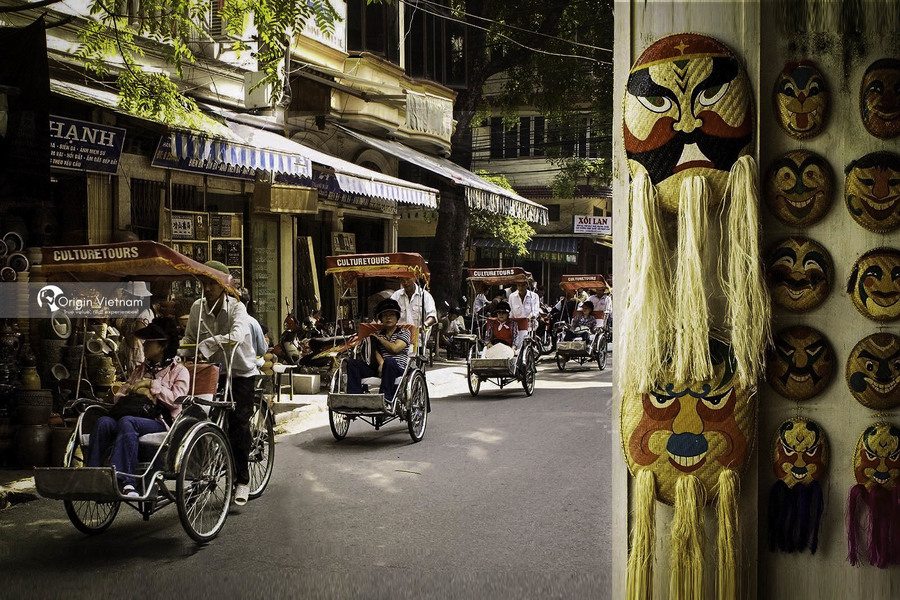 Visit Hanoi by cyclo