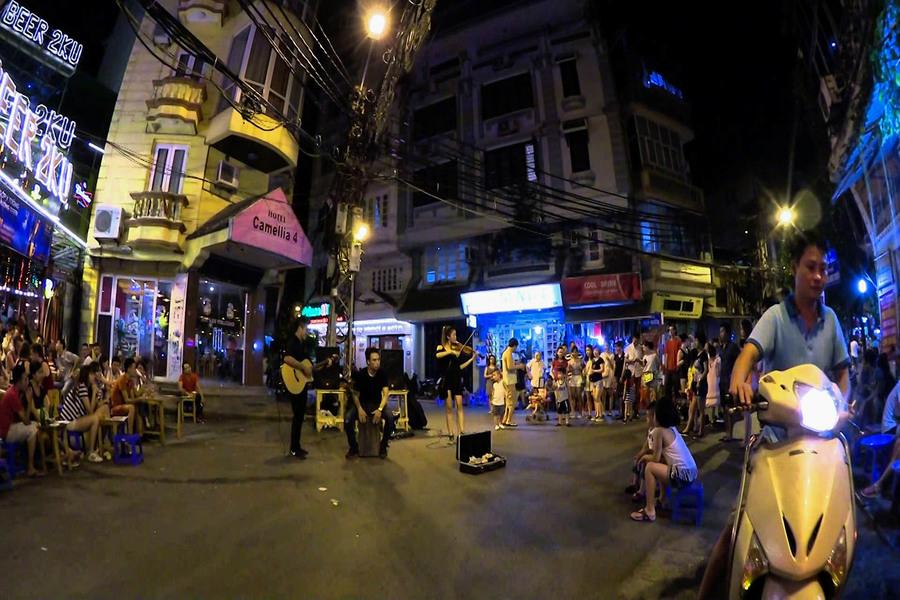 Hoan Kiem Walking Street