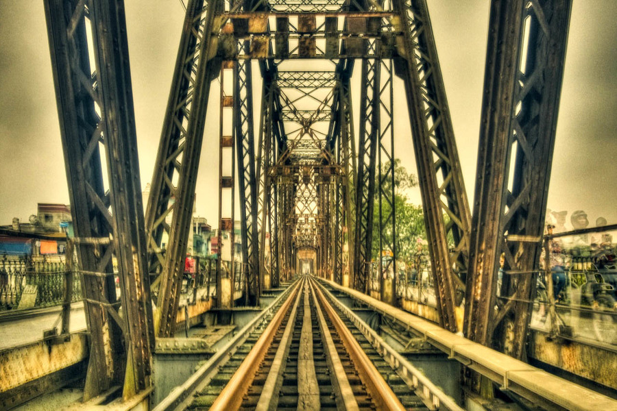 The second best sightseeing places in Hanoi - Long Bien Bridge