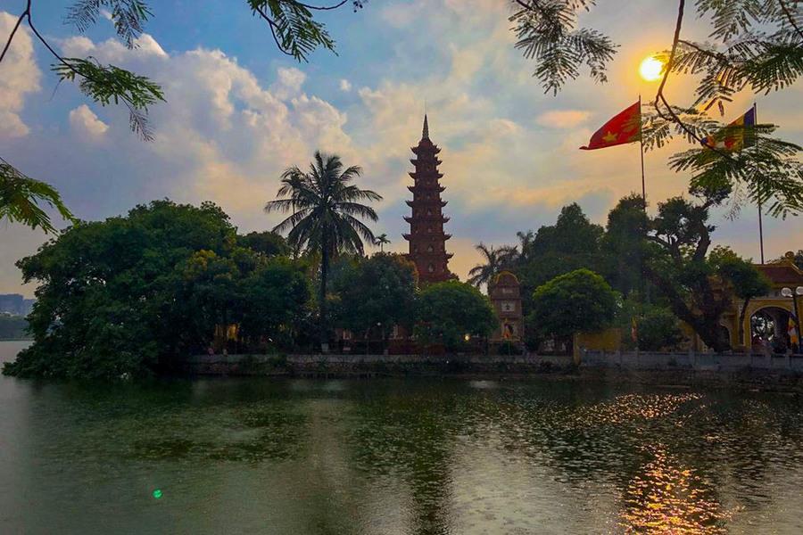 Tran Quoc Pagoda - Oldest pagoda in Hanoi
