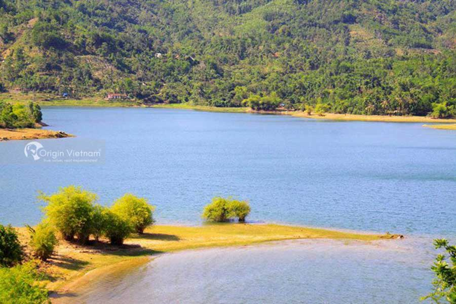 Phu Ninh Lake