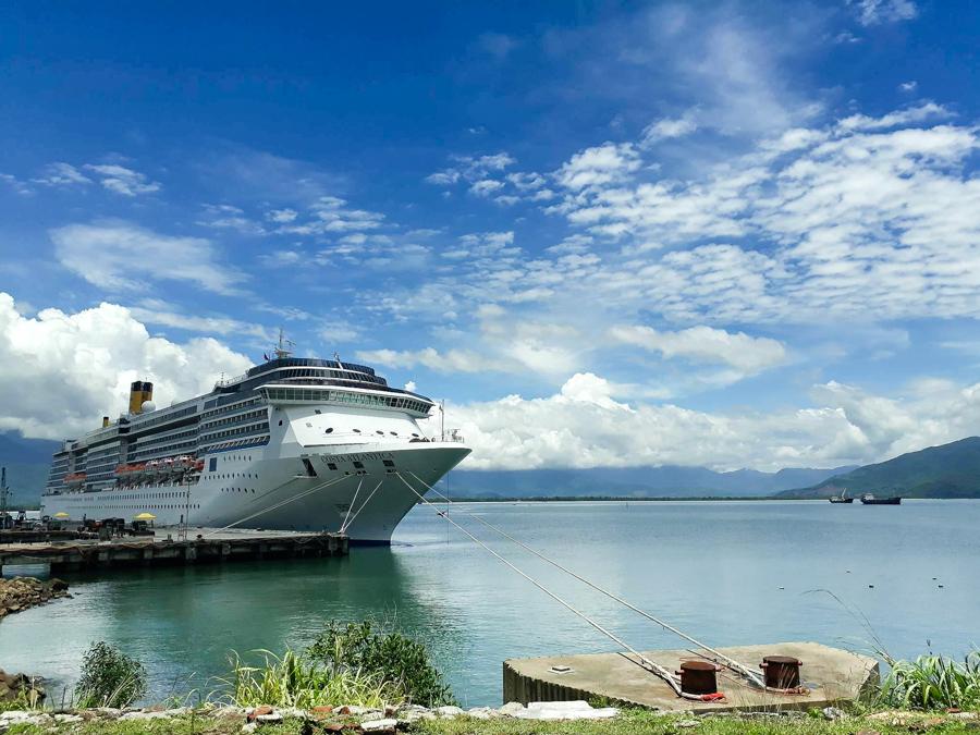 Hue Chan May Port