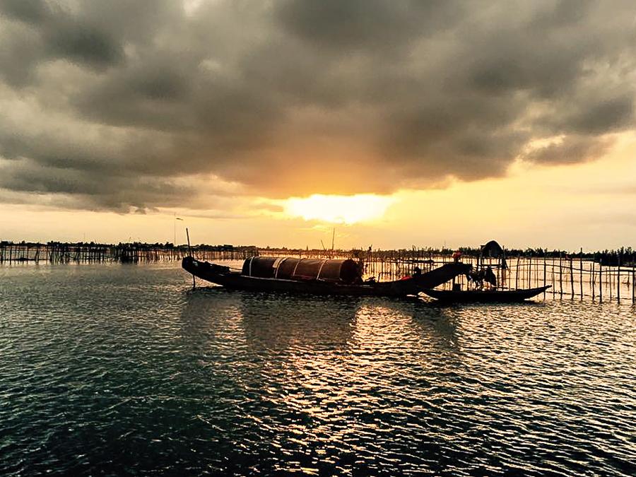 Sunrise - Tam Giang lagoon Hue