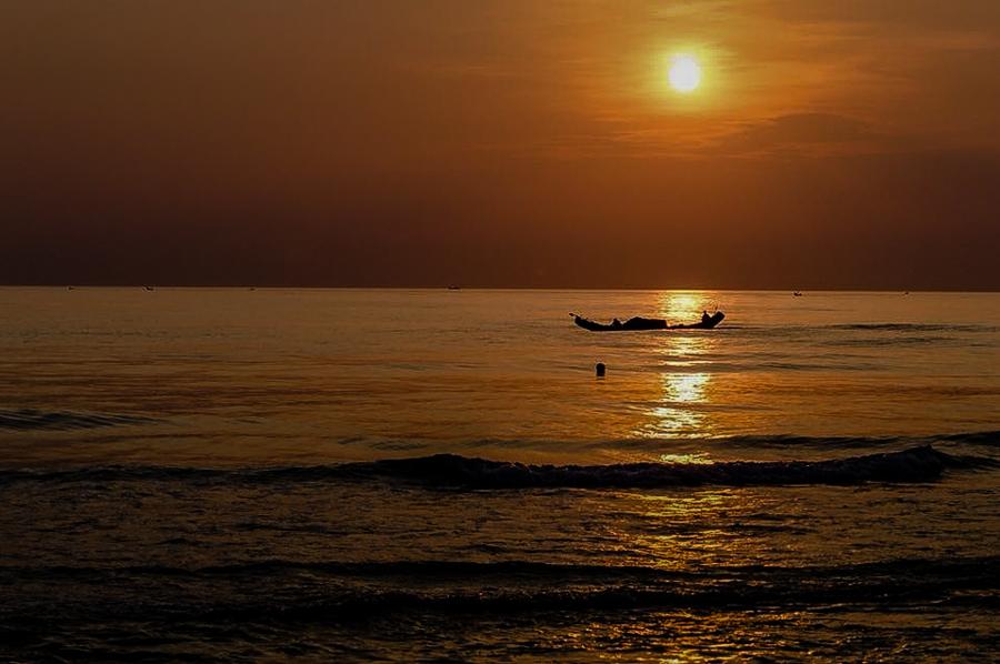 Sunrise on Thuan An Beach