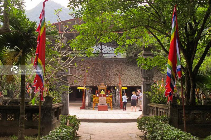 Dinh Tien Hoang emperor temple