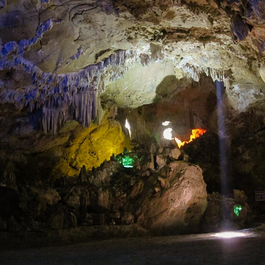 Cave of Thien Ha
