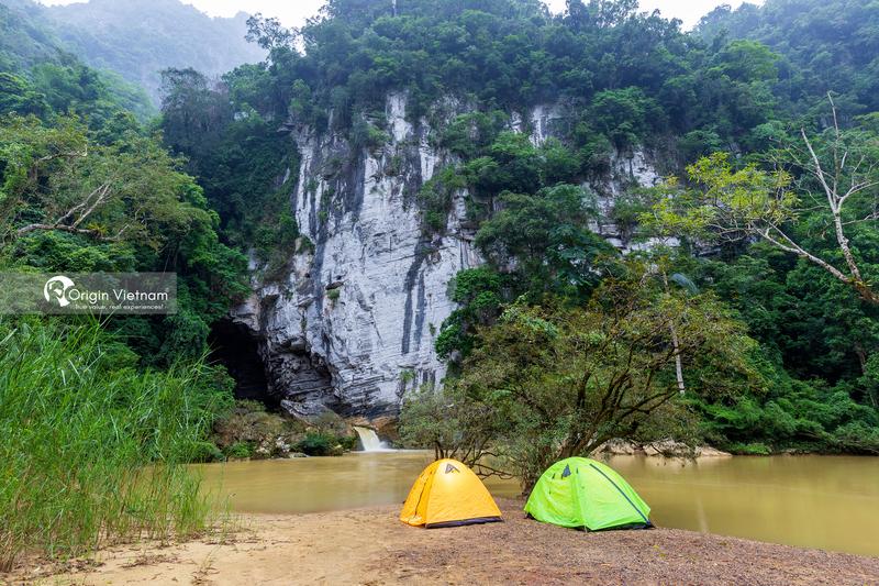 Ken cave in Tu Lan cave system