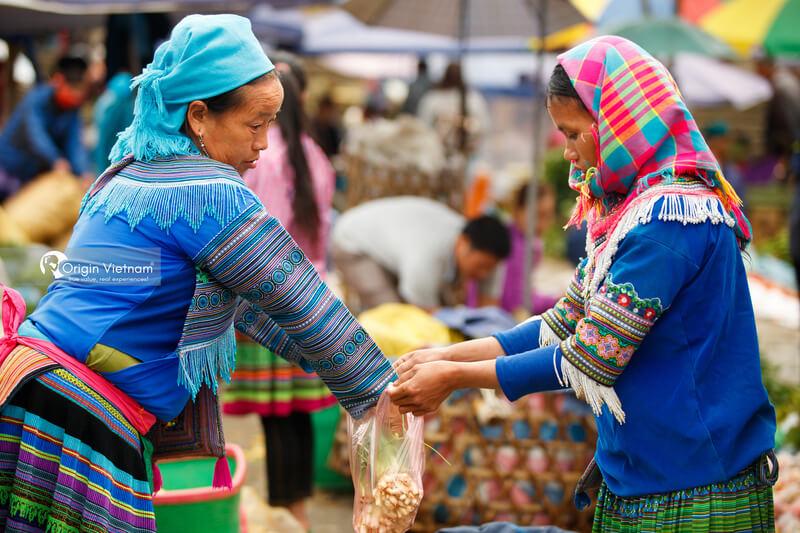 Muong Hum Market