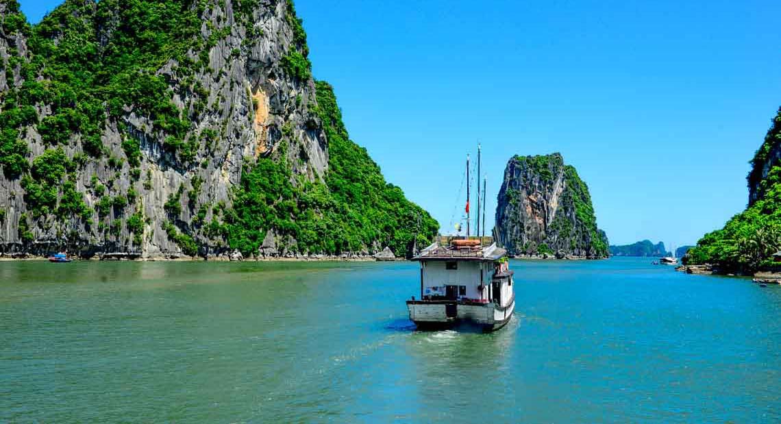 Tra Ngo Island