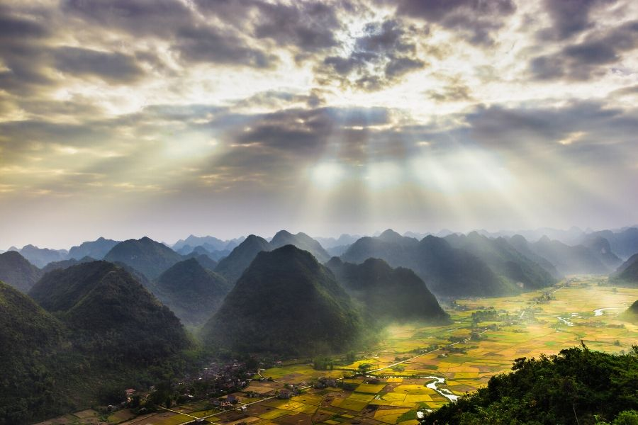 The Best Tour Halong Bay - Bac Son Valley