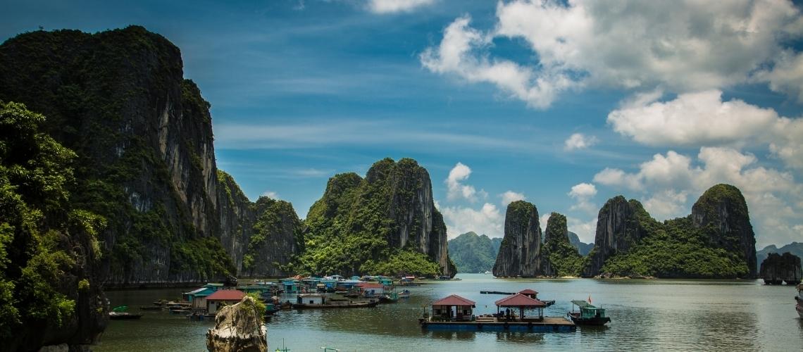 Experience As A Fisherman In Bai Tu Long Bay