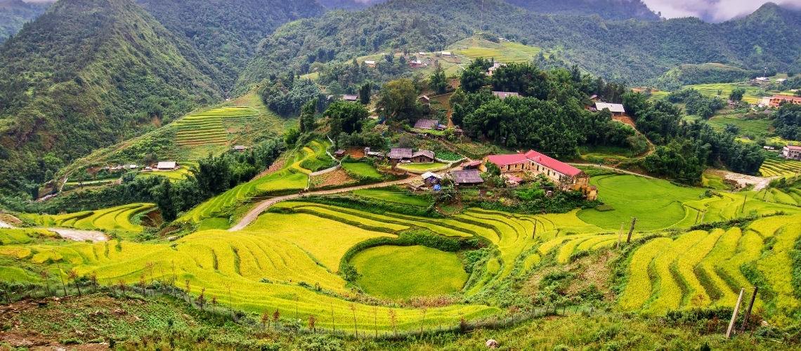 Experience Sapa Tours by Bus