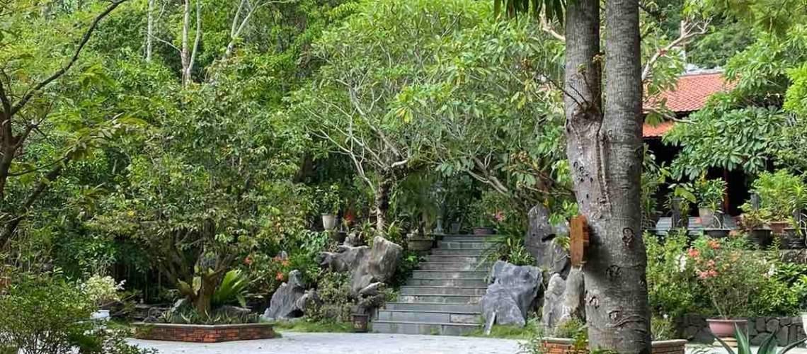 Huyen Khong Son Thuong Pagoda