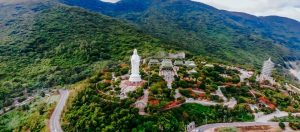 Visit Linh Ung Pagoda On The First Day Of The Lunar Month